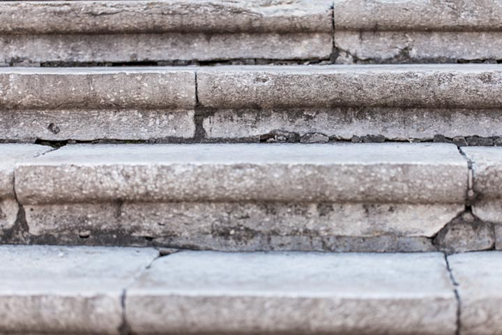 Guide to Best Fixes for Crumbling Concrete Steps