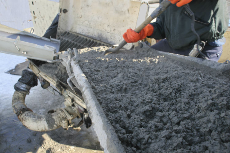 can-i-have-a-contractor-pour-concrete-in-the-winter